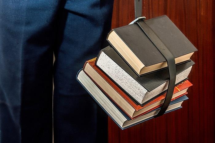 Libros colgados. Cursos de idiomas en el extranjero