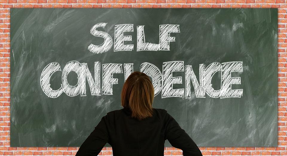 razones para estudiar en el extranjero: autoestima