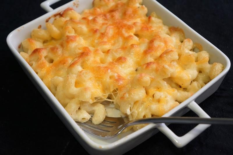 comida al estudiar en EEUU: Pizza Peperoni: macarrones con queso