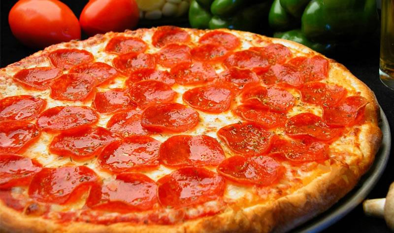 comida al estudiar en EEUU: Pizza Peperoni